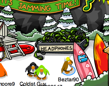 Free green headphones in Club Penguin