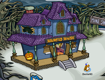 Haunted House in Club Penguin